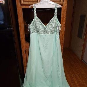 Dresses & Skirts - Beautiful Plus Size Dress